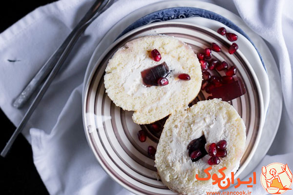 pomegranate-jelly-swiss-roll-slices